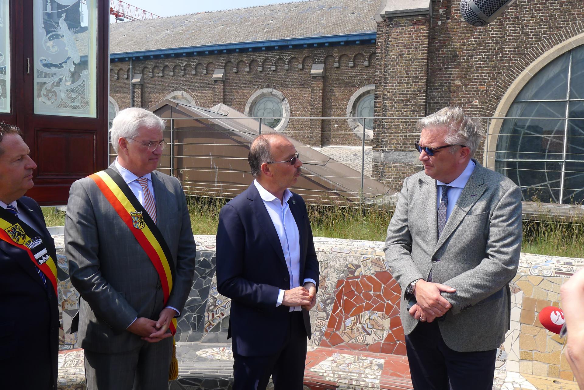 Bezoek prins Laurent aan Belle Epoque Centrum