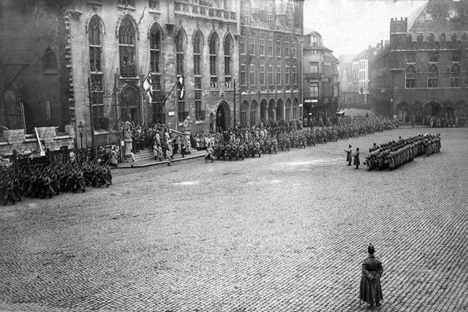 Bruges Market square Provincial Palace 1917